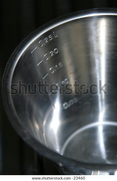 iron cup to mesure liquids