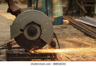 iron cutter