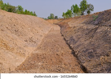 Irrigation Canal Dry Affecting agriculture
