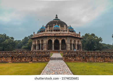 Isa khan tomb in delhi. A mughal architectural beauty with very intricate design.