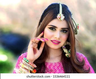 Pakistani very girls beautiful Top 12