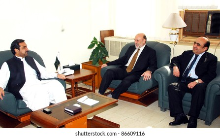 ISLAMABAD, PAKISTAN, OCT 13: Federal Minister for SAFRON, Engr.Shaukatullah in meeting with Afghanistan Ambassador, Mohammad Umer Daudzai in Islamabad, Pakistan on October 13, 2011.