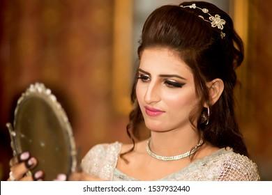 Pakistani girls pics