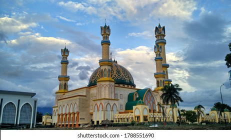 islamic center is one of the magnificent mosques to become the icon of mataram city, images taken in the afternoon of 6th december 2016