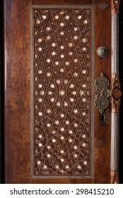 islamic pattern wooden engraving