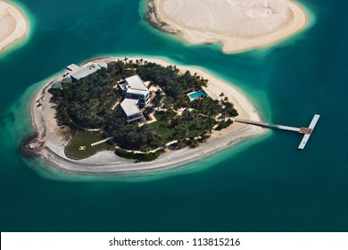 "Island in the Dubai on the ""World map"" islands"