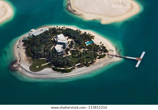 Insel Dubai Auf Den Weltkarteinseln Stockfoto (Jetzt ...