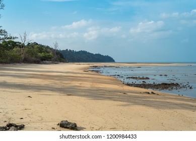 The island Ko Phayam with the Ao Hin Kao beach on the westside