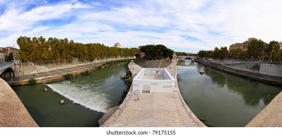 Island in the middle of river Tiber Rome