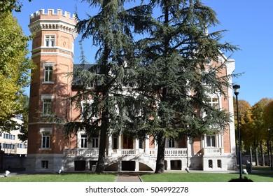 Island Palace, Burgos.
