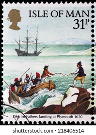 ISLE OF MAN - CIRCA 1986: a stamp printed by GREAT BRITAIN shows Pilgrim Fathers landing at Plymouth in 1620, circa 1986.