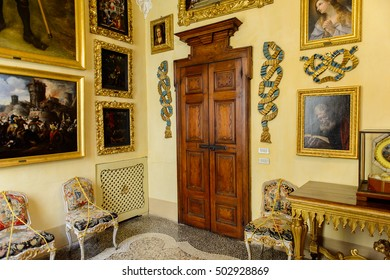 ISOLA BELLA, ITALY - MAY 3, 3016: Hall of the Palace Borromeo on the Isola Bella. Borromeo is the important family from Milan