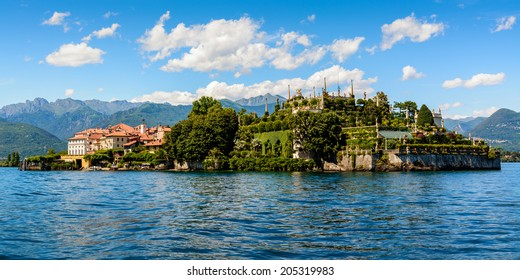 Isola Bella is located in the middle of Lake Maggiore, just 5 minutes off the town of Stresa.  The island owes its fame to the Borromeo family who built a magnificent palace with a beautiful garden.