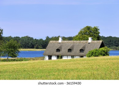 An isolated Cottage often used in Danish films that takes place in the 50Th.