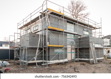 Isolated family home under construction