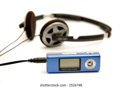 Isolated mp3 player with headphones