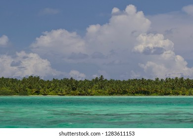 Isolated and uninhabited island somewhere within the Laamu Atoll, Indian Ocean, Maldives, Asia