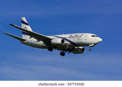 Israel Airline EL AL / Boeing 737 Next Gen / MSN 29961 / 4X-EKE. Here the plane is approaching the international airport of Zurich (ZHR), Switzerland, on the 8th of November 2015.