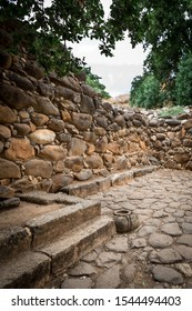 The Israelite gate is based on an outer gate and an inner gate. Behind it, along the wall, is a stone bench - on which the elders of the city sat. This custom is referred in several Biblical passages.