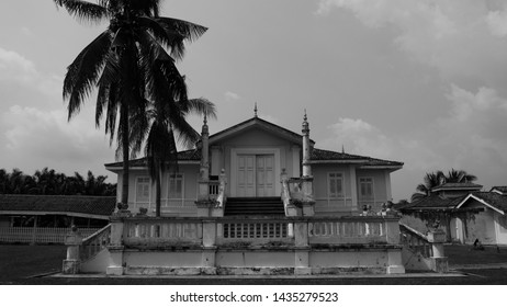 Istana Bandar or Bandar Palace in Banting, Selangor, Malaysia. Built in the early 1900s, Istana Bandar also known as Istana Alaeddin or Alaeddin Palace.