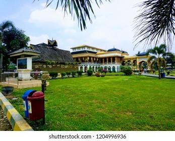 Istana Ma'moon/Ma'moon palace Kesultanan Deli Medan Sumatera Utara