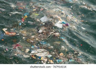 istanbul bosphorus marine pollution November 30,2019 istanbul, Turkey