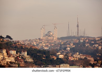 Istanbul Camlica Mosque or Camlica Tepesi Camii under construction. Camlica Mosque is the largest mosque in Asia Minor. Istanbul, Turkey.