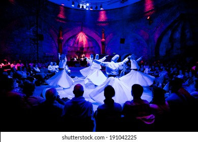ISTANBUL - MAY 20: Whiriling dervishes perform religious dance ceremony on May 20, 2011 in Istanbul.