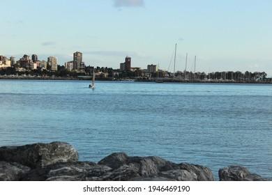 istanbul Moda Sahil güneşli bir gün.  - Shutterstock ID 1946469190