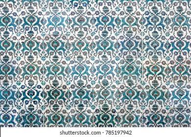 ISTANBUL - NOVEMBER 5: Ottoman tile decoration, Topkapi palace on November 5, 2014 in Istanbul