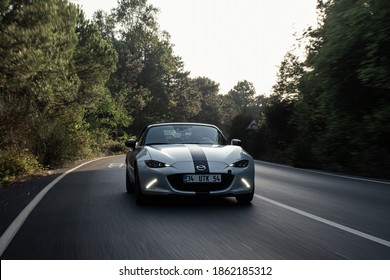Istanbul, Zekeriyaköy Turkey - 11 26 2020: Mazda MX5 in Motion