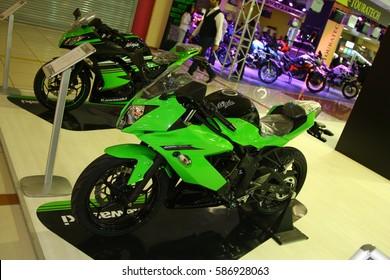 Imágenes, fotos de stock y vectores sobre Yamaha Bike