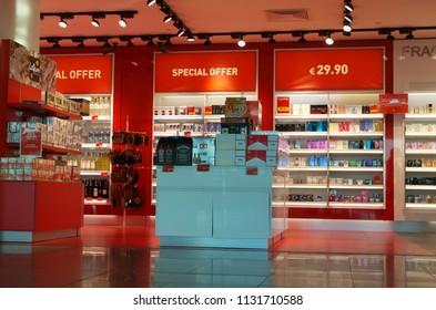 5fa47454531 ISTANBUL, TURKEY - JULY 4, 2018: Duty Free Shop in Istanbul airport,