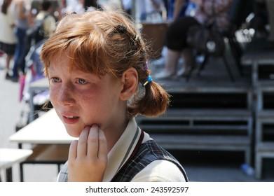 ISTANBUL, TURKEY - JUNE 12: Unidentified Turkish children Turkey Government School on June 12, 2009 in Istanbul, Turkey