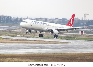ISTANBUL, TURKEY - MARCH 04, 2018: Turkish Airlines Airbus A321-231 (CN 5254) landing to Istanbul Ataturk Airport. THY is the flag carrier of Turkey with 328 fleet size and 302 destinations