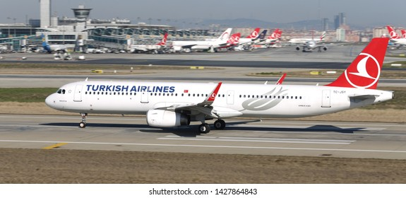 ISTANBUL, TURKEY - MARCH 17, 2019: Turkish Airlines Airbus A321-231 (CN 6758) takes off from Istanbul Ataturk Airport. THY is the flag carrier of Turkey with 339 fleet size and 304 destinations