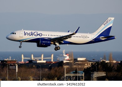Airbus A320 Neo Images, Stock Photos & Vectors | Shutterstock
