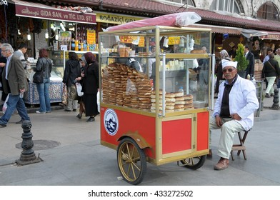 ISTANBUL, TURKEY - MAY 04, 2009: Selling bread in the streets of Istanbul