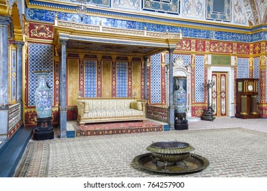 ISTANBUL, TURKEY - MAY 20, 2016: Beautifully decorated vintage audience hall of Sultan at Topkapi palace in Istanbul, Turkey