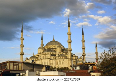 ISTANBUL, TURKEY - OCTOBER 22: Morning view of The Blue Mosque on October 22, 2014 in Istanbul, Turkey. This is the biggest mosque in Istanbul and is a great tourist attraction.