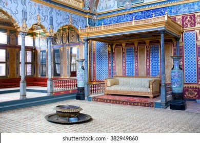 ISTANBUL, TURKEY - OCTOBER 31, 2015: Detail from throne room inside Harem section of Topkapi Palace in Istanbul. Entertainment, weddings and exchange of Bayram felicitations took place in this hall.