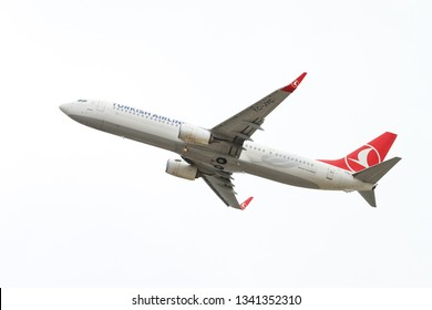 ISTANBUL, TURKEY - SEPTEMBER 30, 2018: Turkish Airlines Boeing 737-9F2ER (CN 40977) takes off from Istanbul Ataturk Airport. THY is the flag carrier of Turkey with 330 fleet size and 304 destinations