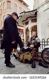 ISTANBUL, TURKEY-JANUARY 19, 2020 : Man working on the street , 19 October  2020