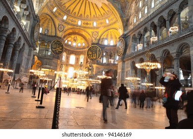 ISTANBUL,TURKEY - JANUARY 27 : Tourists visit Hagia Sophia on January 27, 2012 in Istanbul,Turkey. Hagia Sophia is former Orthodox patriarchal basilica, later a mosque and now a museum.