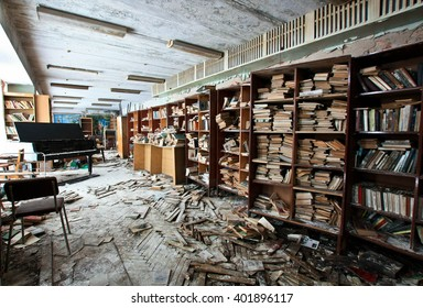 """ISTRA, RUSSIA-DEC 30,2012: Library with piano on the abandoned resort hotel """"Beryozki"""""""