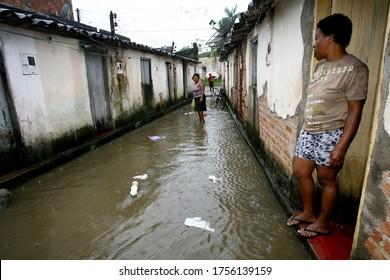 itabuna, bahia / brazil - october 25, 2011: waters of the Cachoeira River floods residence in the city of Itabuna.