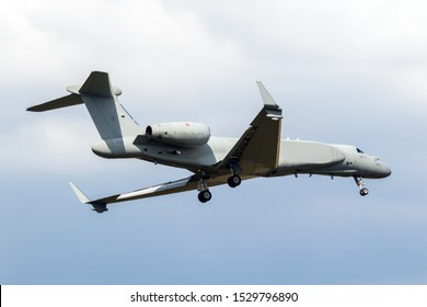 Italian Air Force Gulfstream G550 AEW/C, Airborne Early Warning and Control, aircraft arriving at Gilze-Rijen airbase.