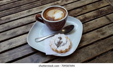 Italian coffee with cake