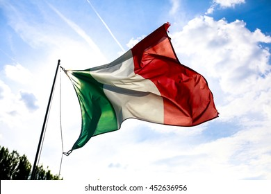 italian flag wind sky