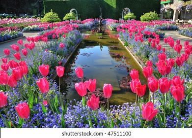 The italian garden inside the historic butchart gardens (built in 1904), vancouver island, british columbia, canada